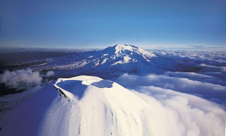 Mt Ngauruhoe & Mt Ruapehu, Central Plateau, North Island